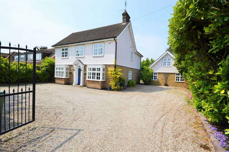 4 Bedrooms Detached House for sale in Nevendon Road, Wickford