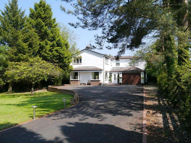 4 Bedrooms Detached House for sale in Eastern Way, Darras Hall