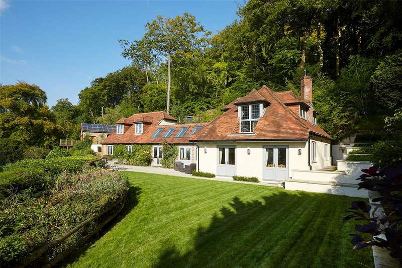 5 Bedrooms Detached House for sale in Chinnor Hill, Chinnor, Oxfordshire