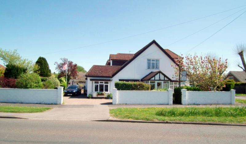 8 Bedrooms Detached House for sale in Havant Road, Hayling Island