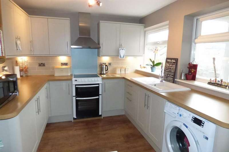 4 Bedrooms Detached Bungalow for sale in Shadwell Close, Weeting