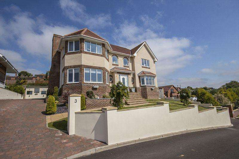 5 Bedrooms Detached House for sale in Red Kite Way, Rowlands Gill