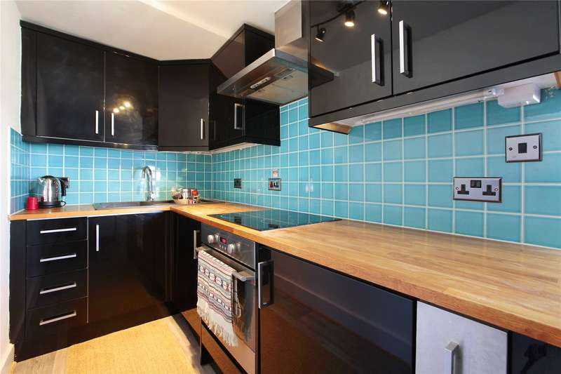 1 Bedroom Flat for sale in Dawes Road, Fulham, London, SW6