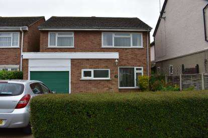 3 Bedrooms Detached House for sale in Tindal Road, Aylesbury, Bucks, England