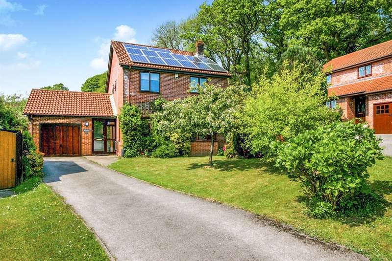 4 Bedrooms Detached House for sale in Tylcha Ganol, Tonyrefail, Porth