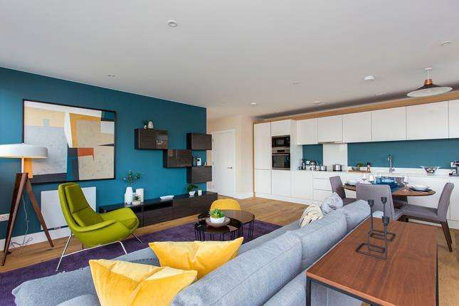 3 Bedrooms Flat for sale in New Pier Wharf, 1-3 Odessa Street, London, SE16 7LU