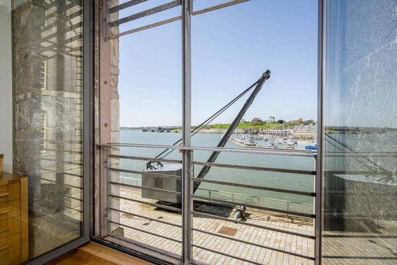 2 Bedrooms Apartment Flat for sale in Royal William Yard, Plymouth