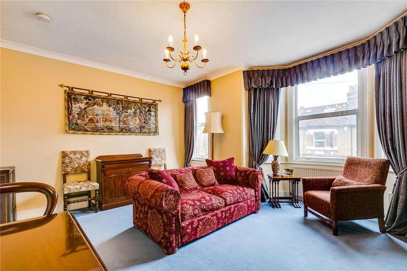 2 Bedrooms Flat for sale in Eastbury Grove, Chiswick, London