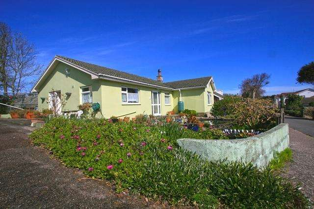 3 Bedrooms Detached Bungalow for sale in Les Mouriaux, Alderney GY9