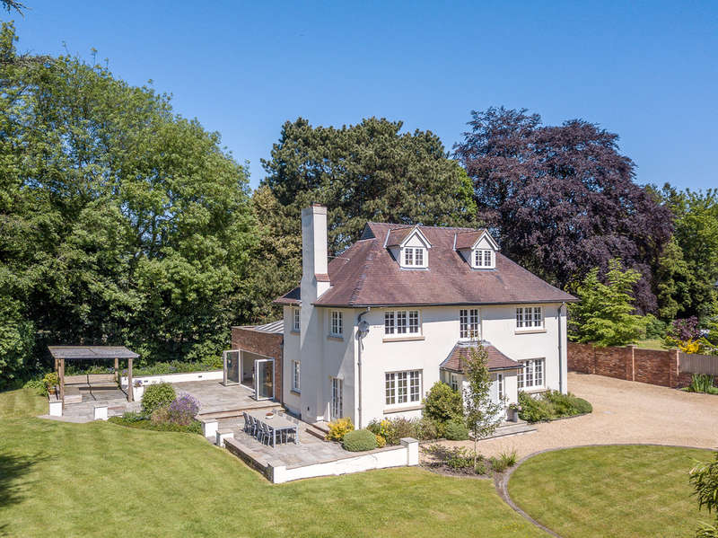 5 Bedrooms Detached House for sale in Toft Road, Knutsford