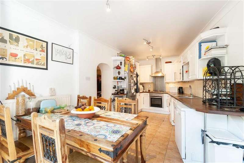 2 Bedrooms Flat for sale in Churchfield Road, London