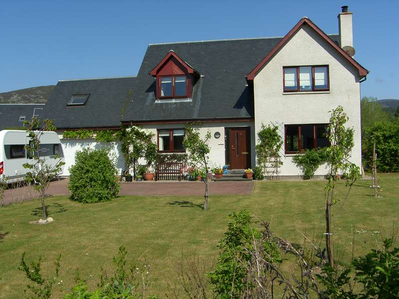 4 Bedrooms Detached House for sale in MacBean Road, Kincraig, PH21 1AD