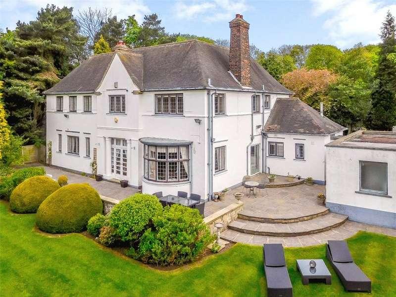 5 Bedrooms Detached House for sale in Sandmoor Drive, Leeds, West Yorkshire, LS17