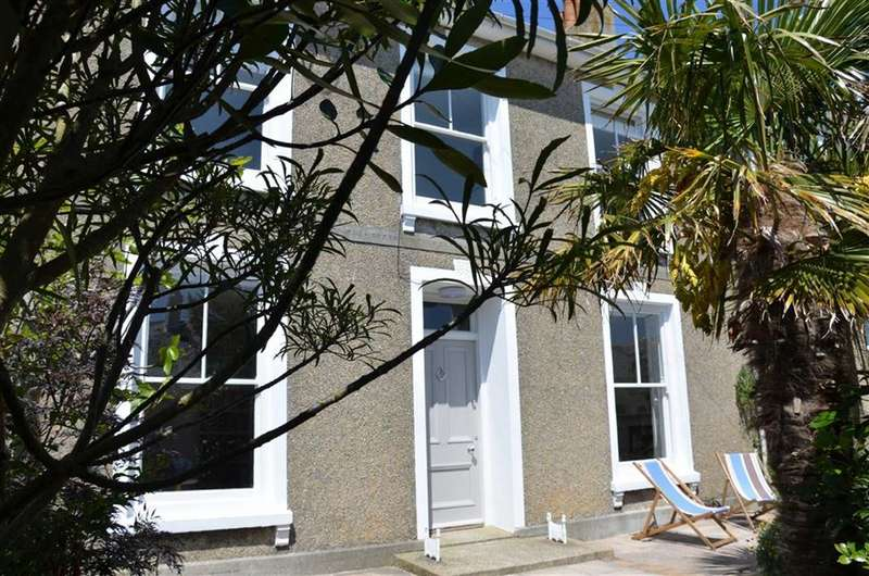 4 Bedrooms Terraced House for sale in Bowling Green Terrace, St Ives