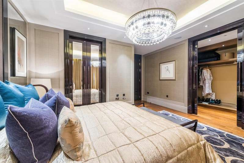 3 Bedrooms Flat for sale in Ebury Square, Belgravia