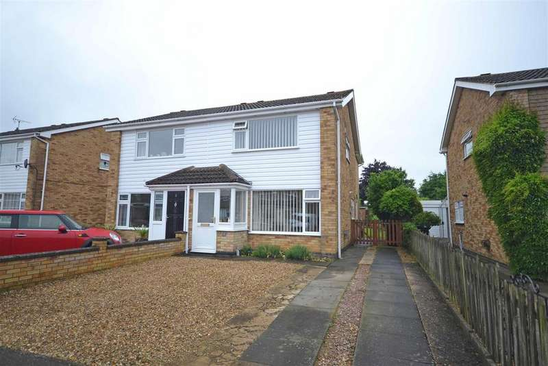 3 Bedrooms Semi Detached House for sale in Montrose Close, Stamford