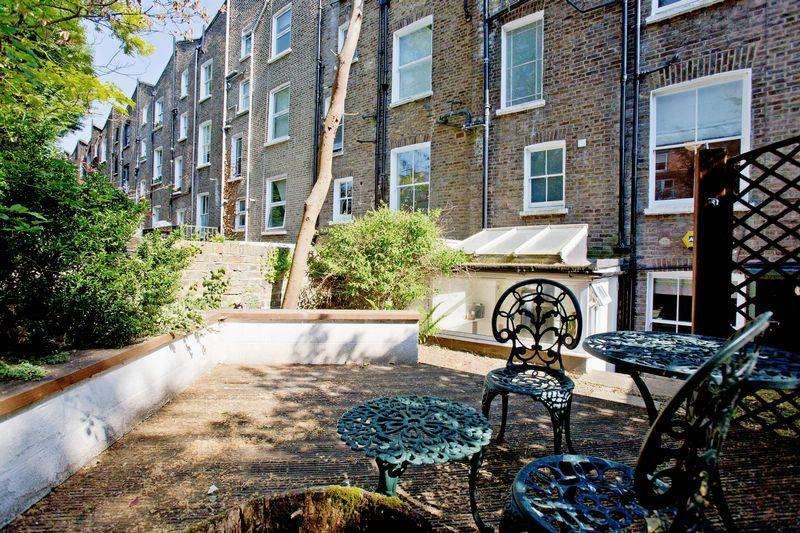 1 Bedroom Flat for sale in Belsize Road, Swiss Cottage London