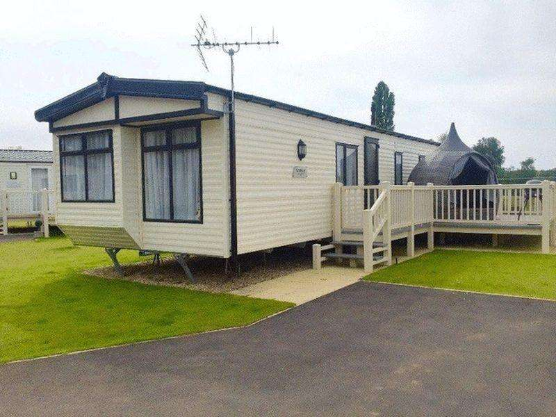 2 Bedrooms Detached Bungalow for sale in TATTERSHALL LAKES, TATTERSHALL