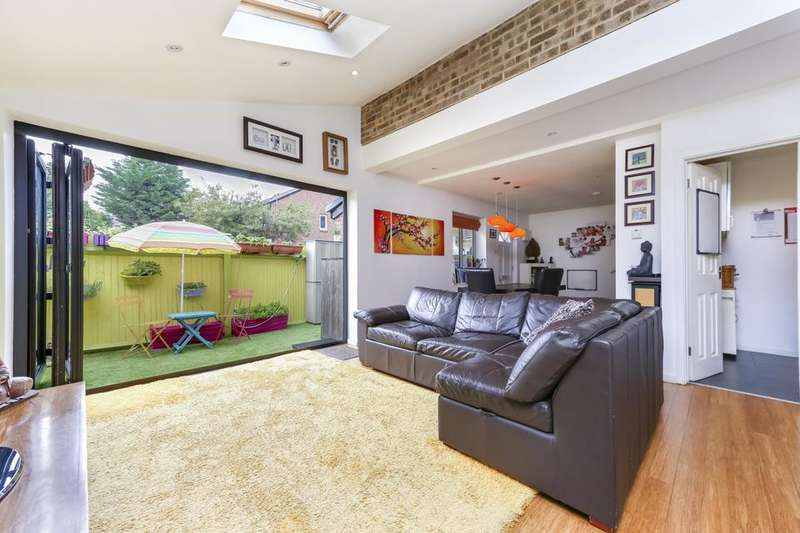 3 Bedrooms End Of Terrace House for sale in Willow View, London SW19