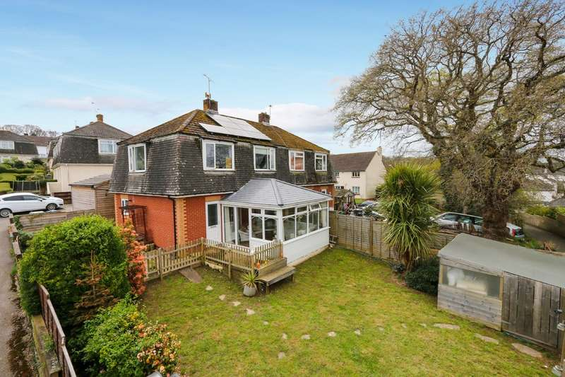 3 Bedrooms Semi Detached House for sale in Carew Gardens, Newton Abbot
