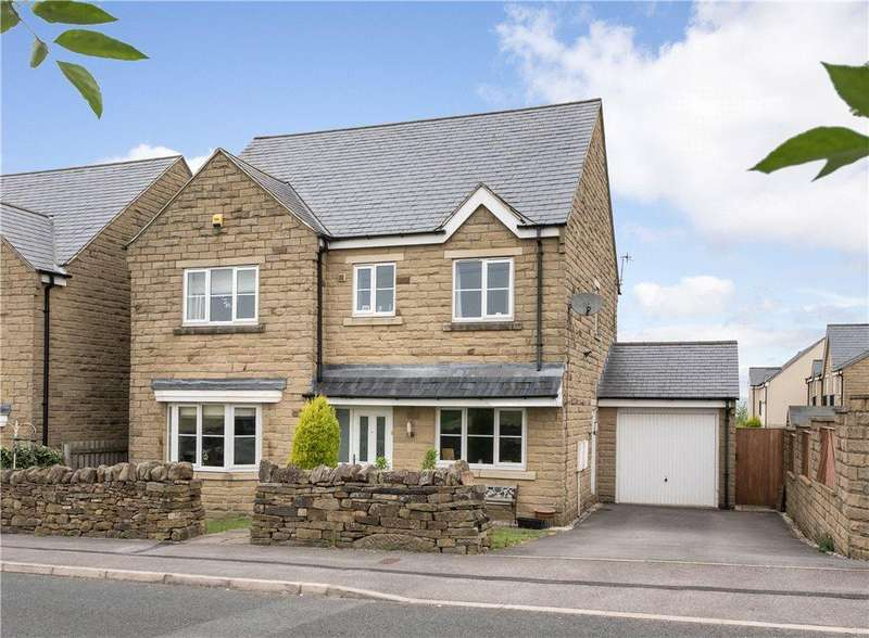5 Bedrooms Detached House for sale in Birkshead Drive, Wilsden, Bradford, West Yorkshire