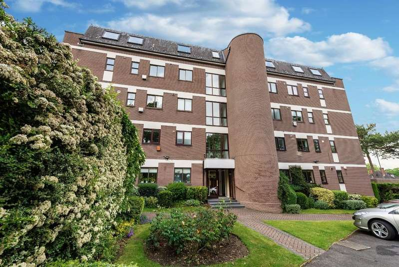 2 Bedrooms Penthouse Flat for sale in Hawsted, Buckhurst Hill