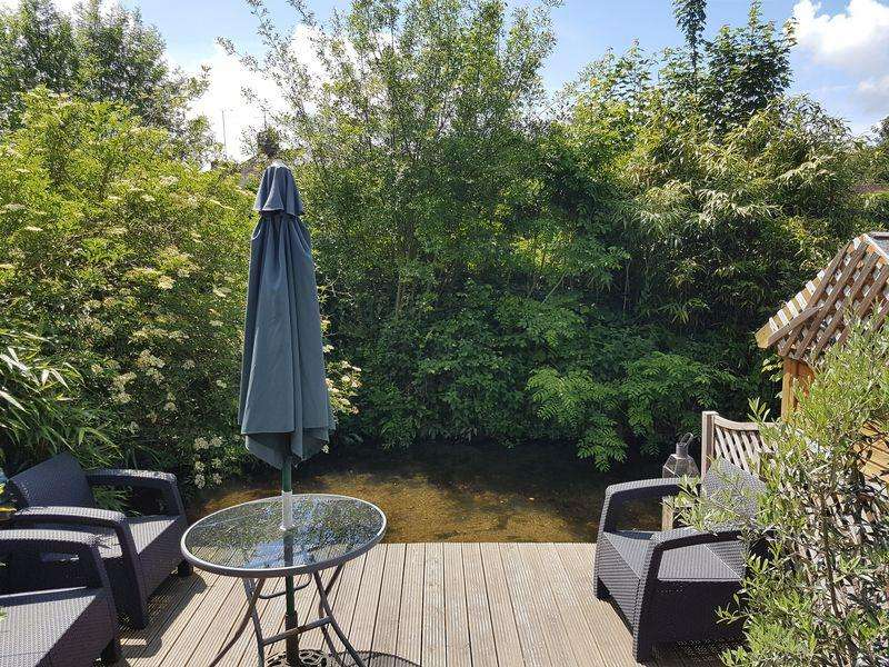 2 Bedrooms Cottage House for sale in Loudwater, Buckinghamshire