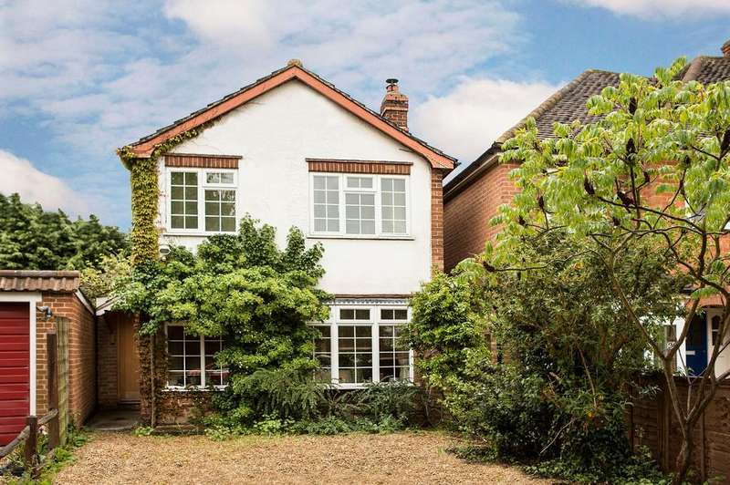3 Bedrooms Detached House for sale in Church Road, Woodley, Reading, RG5 4QJ