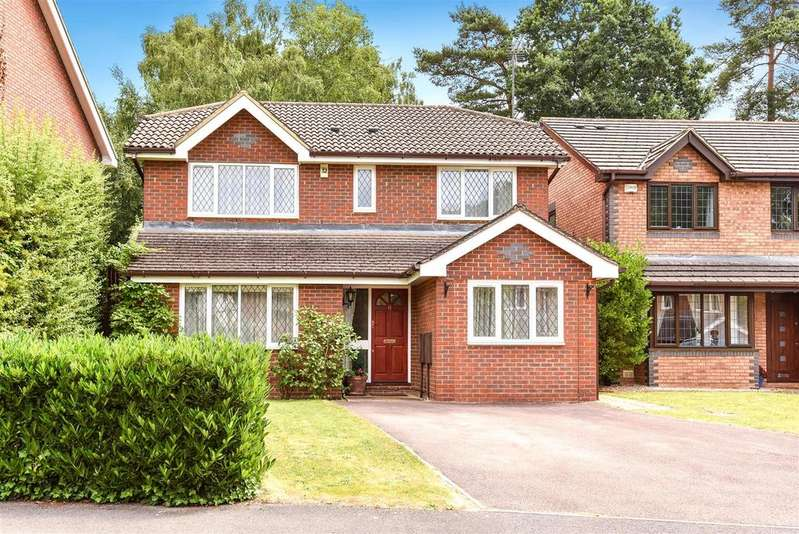 4 Bedrooms Detached House for sale in Lupin Ride, Crowthorne, Berkshire, RG45 6US