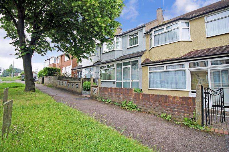 3 Bedrooms Terraced House for sale in Ninth Avenue, Luton