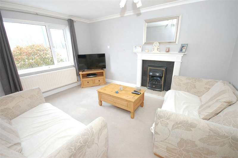 2 Bedrooms Terraced House for sale in Lembrook Walk, Aylesbury, Buckinghamshire