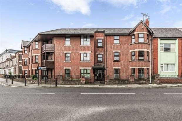 2 Bedrooms Flat for sale in Greenbank Road, Darlington, Durham