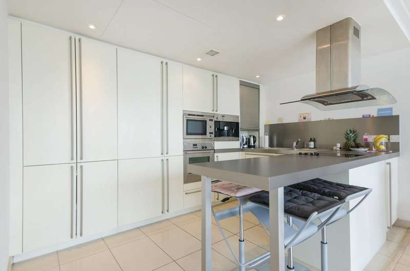 1 Bedroom Flat for sale in Hertsmere Road, Canary Wharf, E14
