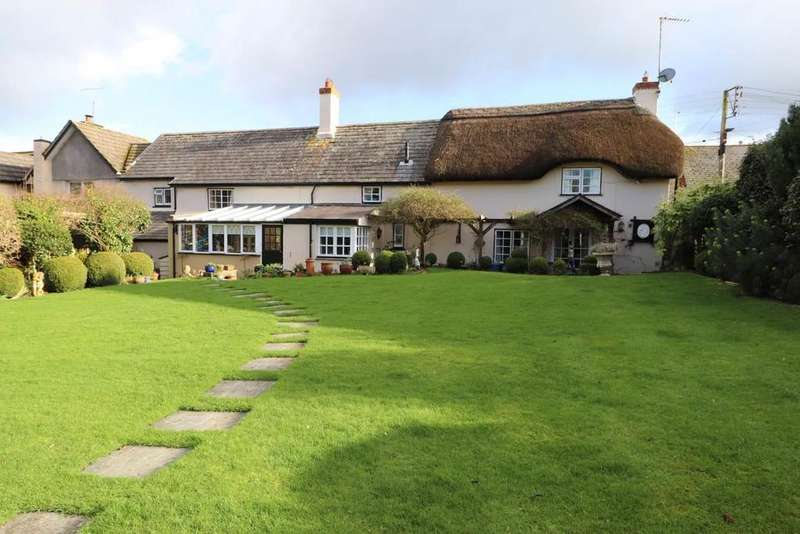 4 Bedrooms Cottage House for sale in Fremington, Barnstaple