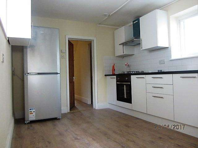 4 Bedrooms End Of Terrace House for sale in Queen's Road N9