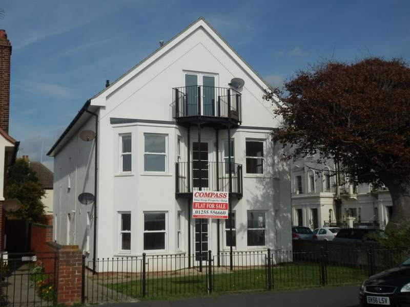 2 Bedrooms Apartment Flat for sale in 1 MARINE PARADE, DOVERCOURT, HARWICH CO12