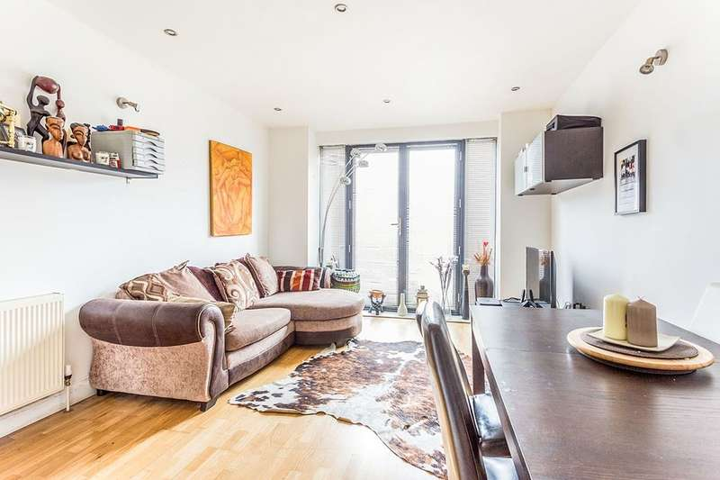 2 Bedrooms Flat for sale in Hatcham Park Mews, New Cross, London, SE14