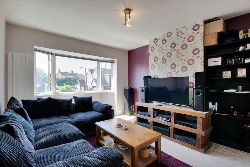 2 Bedrooms Flat for sale in Crockham Way, London
