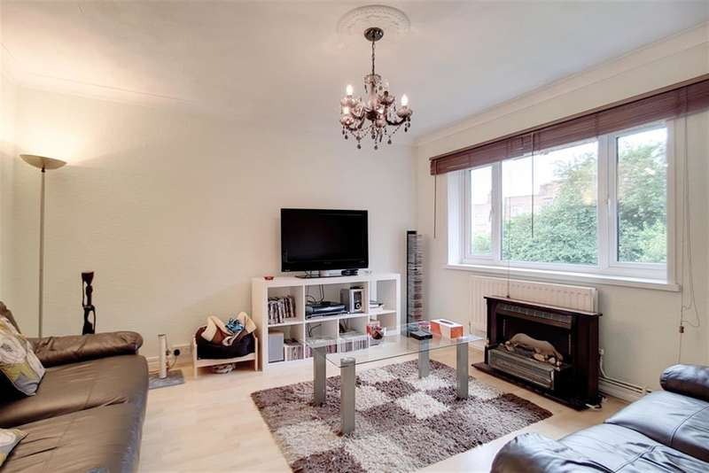 2 Bedrooms Flat for sale in Dylways , London , SE5 8HR