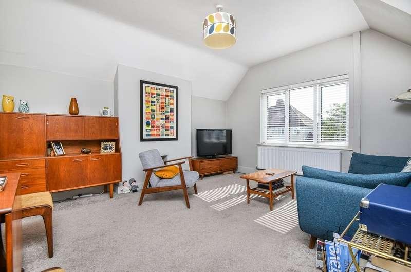 2 Bedrooms Maisonette Flat for sale in Parkview Road, London