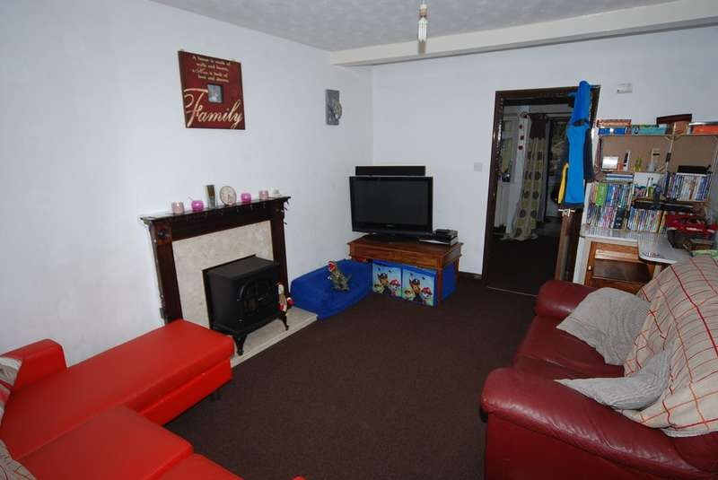 3 Bedrooms Terraced House for sale in Canal Street, Ulverston, Cumbria, LA12 7JZ