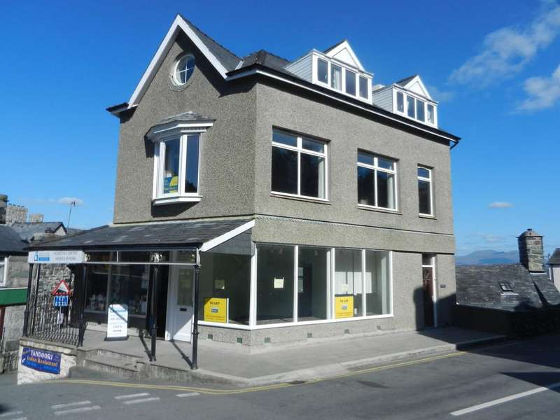 4 Bedrooms Maisonette Flat for sale in Gwynfa, High Street, Harlech LL46