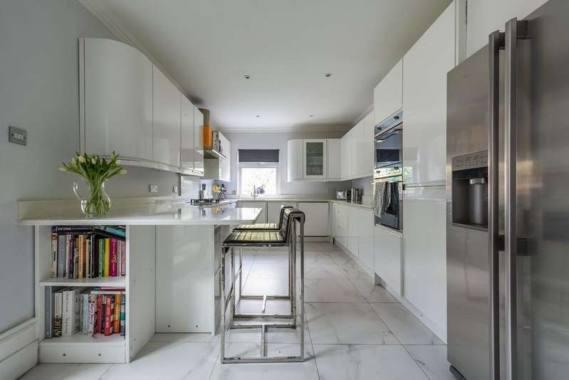 5 Bedrooms Semi Detached House for sale in Lonsdale Road, Wanstead
