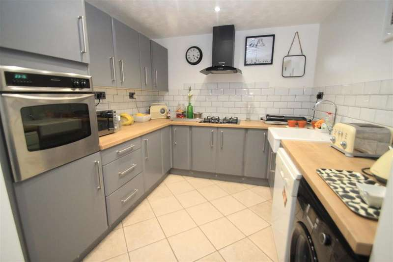 3 Bedrooms Detached House for sale in Portland Drive, Hinckley