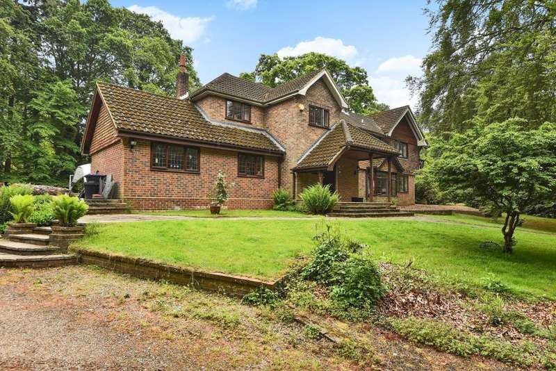 4 Bedrooms Detached House for sale in Fulmer, Buckinghamshire, SL3