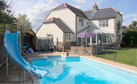 4 Bedrooms Property for sale in Henstridge, Somerset, BA8