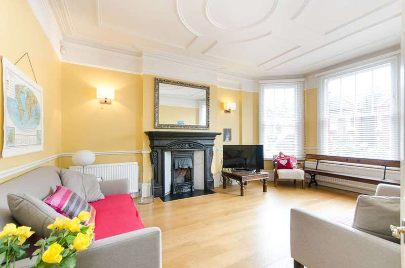 4 Bedrooms House for sale in Prout Grove, Neasden, NW10