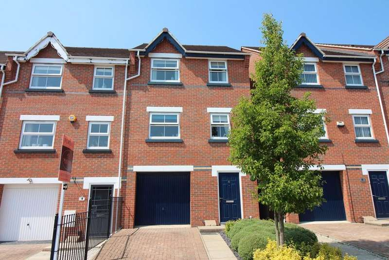4 Bedrooms Town House for sale in Greenhalgh Crescent, Ilkeston, DE7