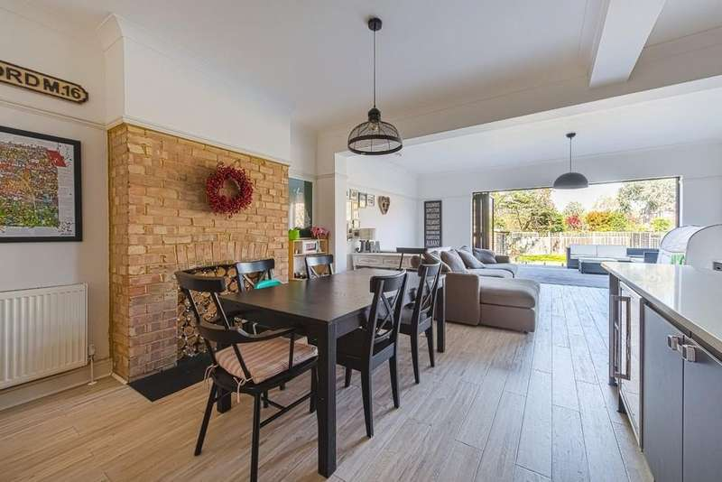 5 Bedrooms Semi Detached House for sale in Lake House Road, Aldersbrook