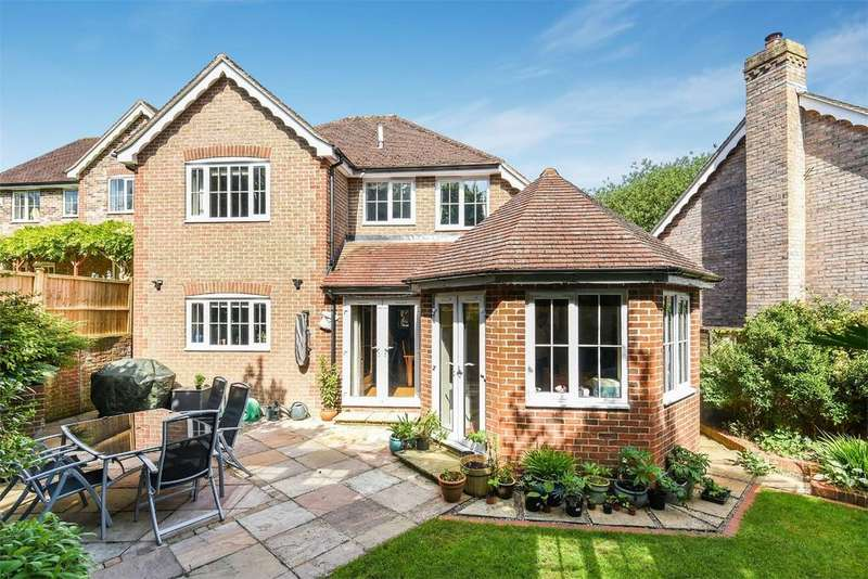 4 Bedrooms Detached House for sale in Overton, Basingstoke, Hampshire